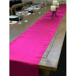 Table Runner, Satin 2.6m, Fuchsia