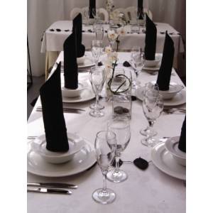 Reception Table in Black & White Theme