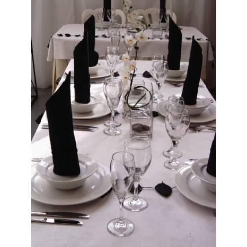 Reception Table in Black & White Theme