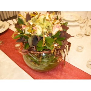 Table Runner & Vase Hire